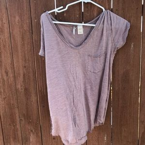 BKE Distressed mauve pink purple v neck tee